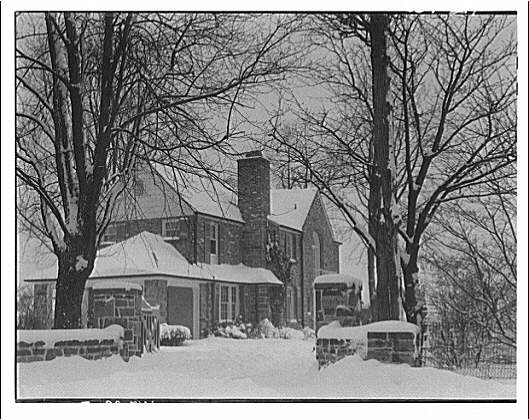 Winter scenes. Pike residence, 7th St.