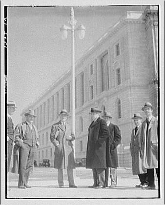 David E. Lynn, Architect of the Capitol. David E. Lynn and commission inspecting lamp for Capitol Plaza