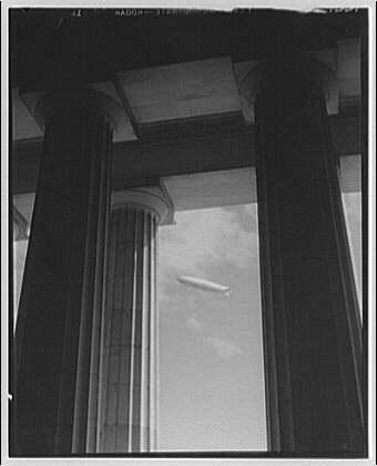 Los Angeles, U.S. Navy. Airship Los Angeles through columns of Lincoln Memorial
