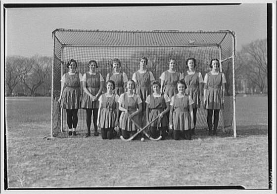 Holton Arms School. Girls field hockey team at Holton Arms School I