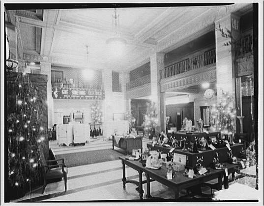 Electric Institute of Washington, Potomac Electric Power Co. Building. Christmas display at the Electric Institute IV