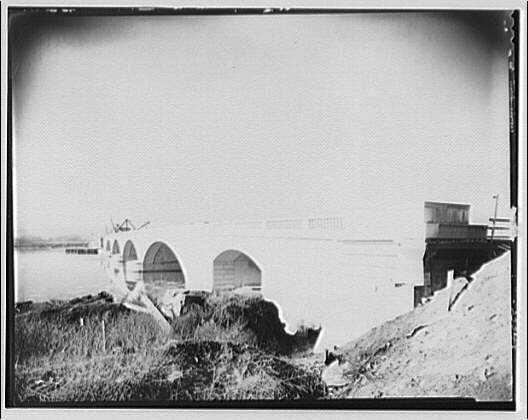 Memorial Bridge. Construction of Memorial Bridge