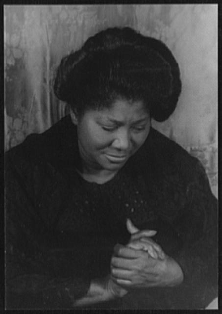 [Portrait of Mahalia Jackson]