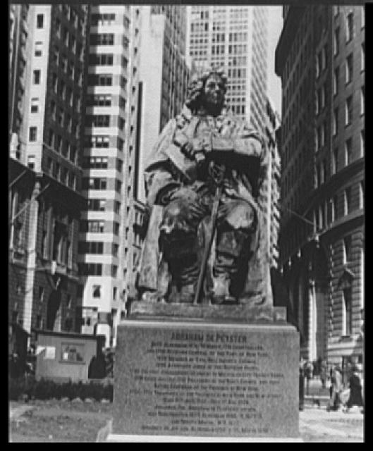 [Monument to Mayor de Peyster, Bowling Green, New York City]