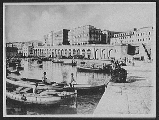 Algiers - the embankment and Boulevard de la Republique